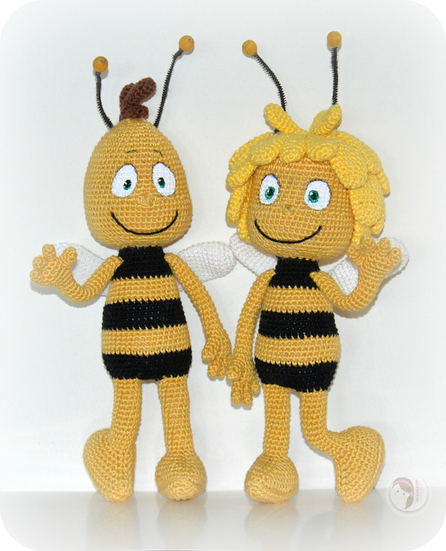 Free Crochet Bee Pattern - Grace and Yarn | 800x647